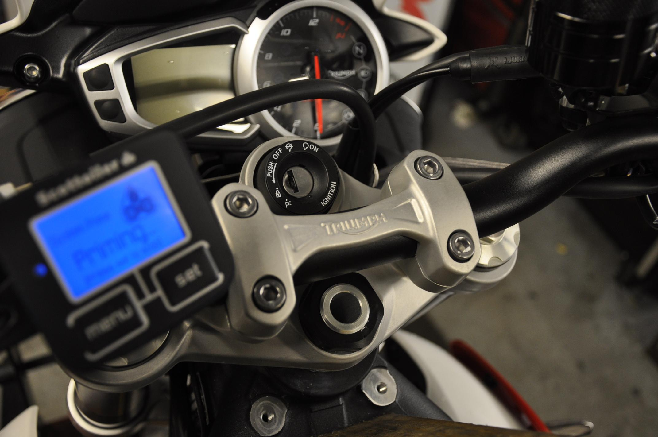 Street Triple (2013 - 2016) eSystem display